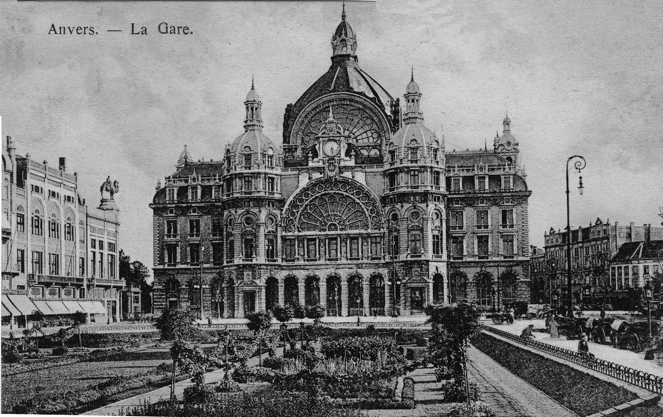 https://upload.wikimedia.org/wikipedia/commons/6/6b/Antwerpen_Centraal_station_1911.jpg