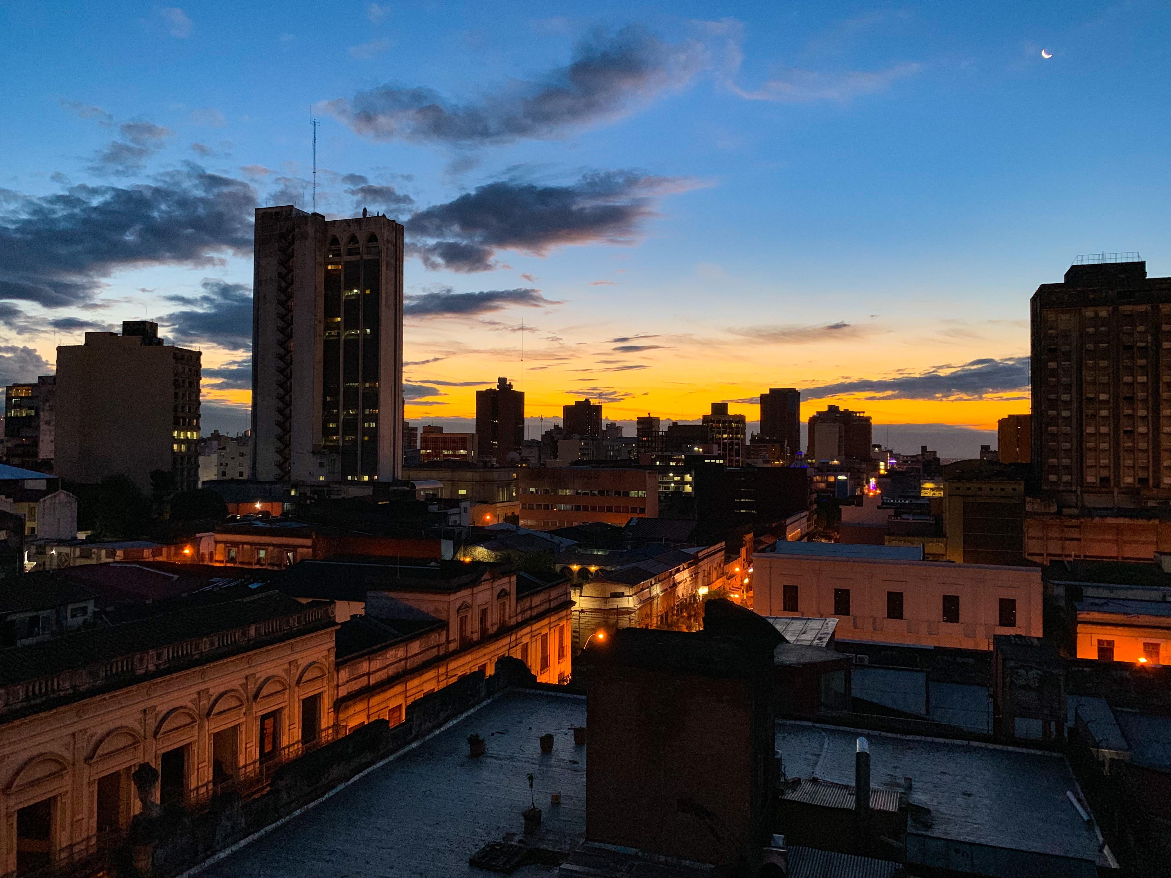 Archivo:Asunción am Abend.jpg - Wikipedia, la enciclopedia libre