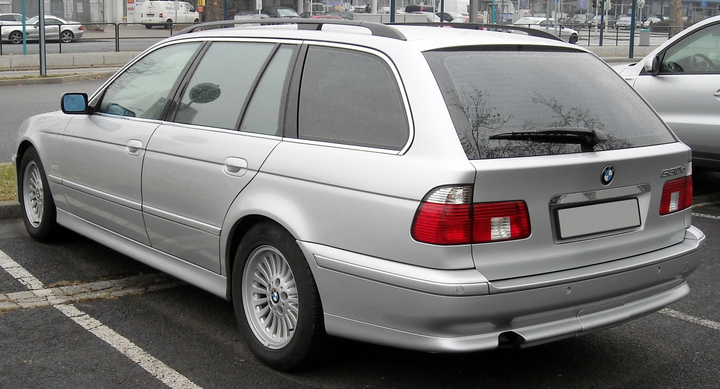 File:BMW E39 Touring rear 20090204.jpg - Wikimedia Commons