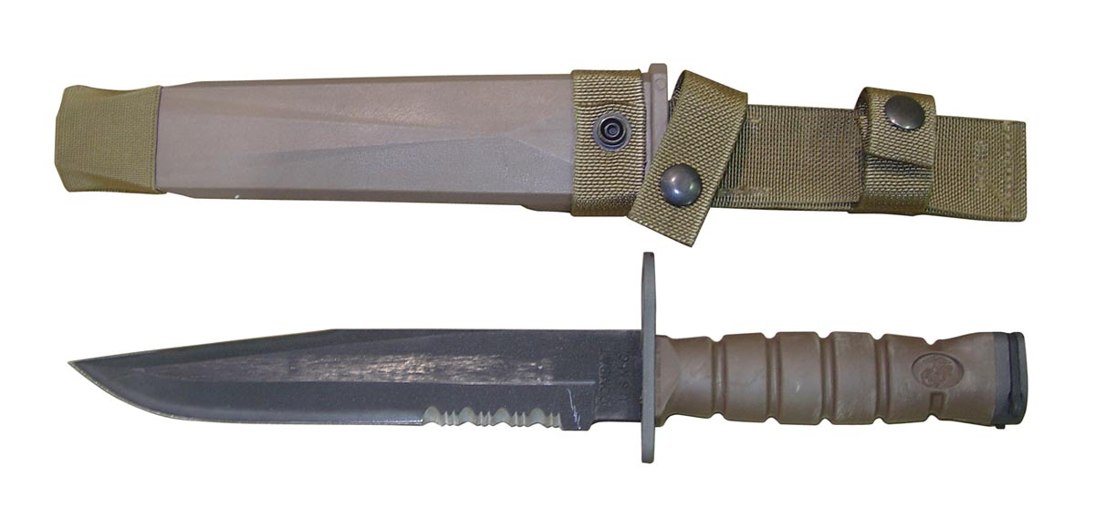 Serrated or Fine edge for a Survival Knife? - Other Weapons