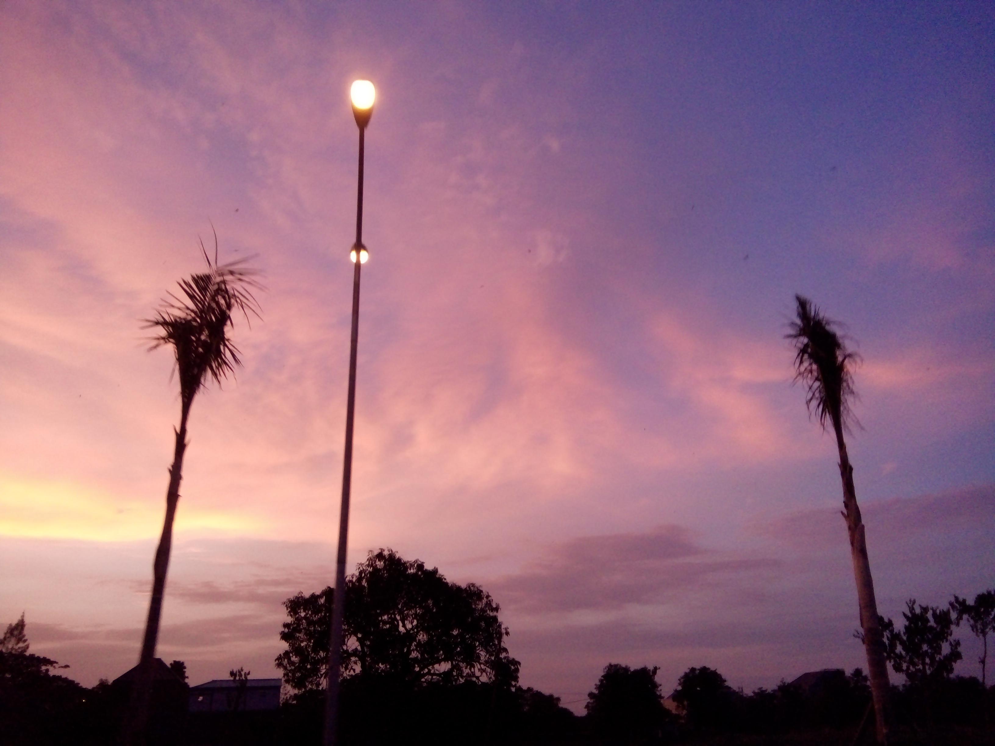 File:Beautiful pink sky.jpg