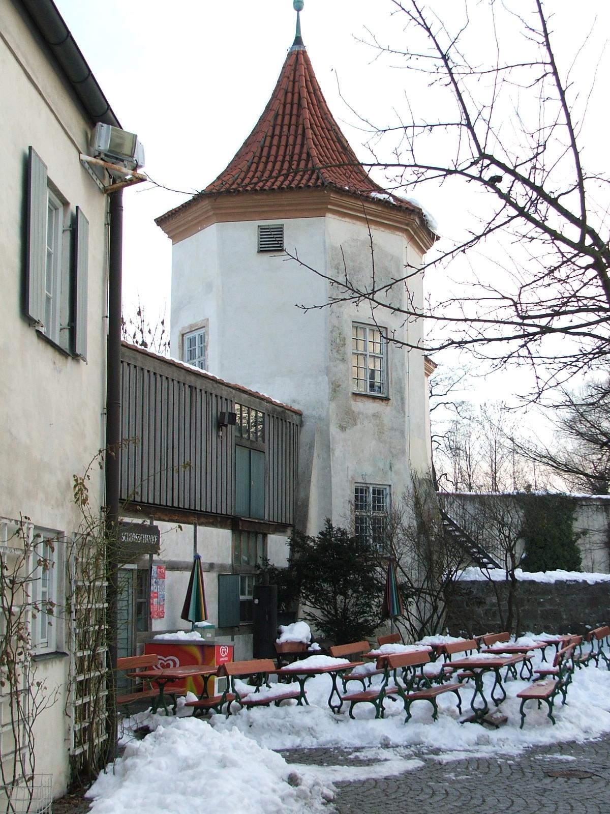 File:Biergarten der Schlossschänke Castle in Munich with Snow 02 ...