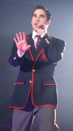 Blaine Glee Tour Raise.jpg