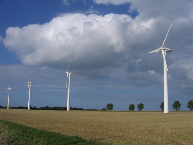 Another view of TG4718 : Wind turbine and farm, Somerton - four of the eleven turbines at this wind farm.