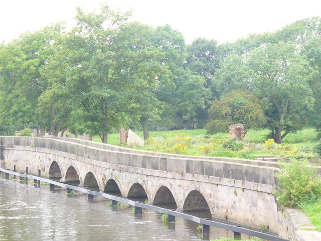 Bridge on the Trent, Newark - geograph.org.uk - 1452651