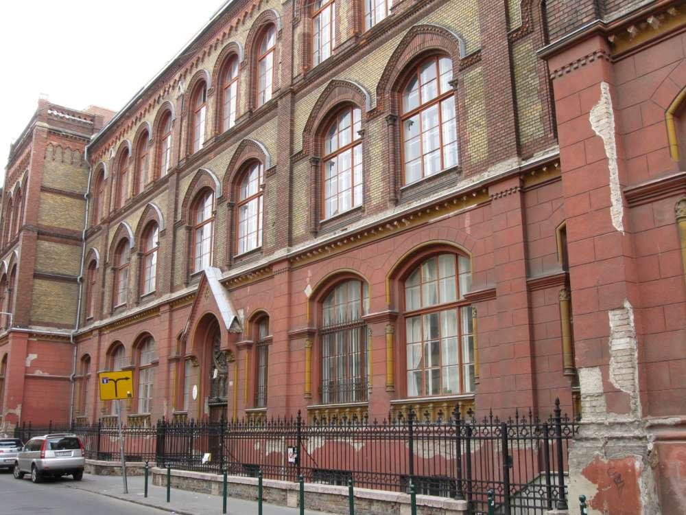 Képző- és Iparművészeti Szakgimnázium és Kollégium – Wikipédia