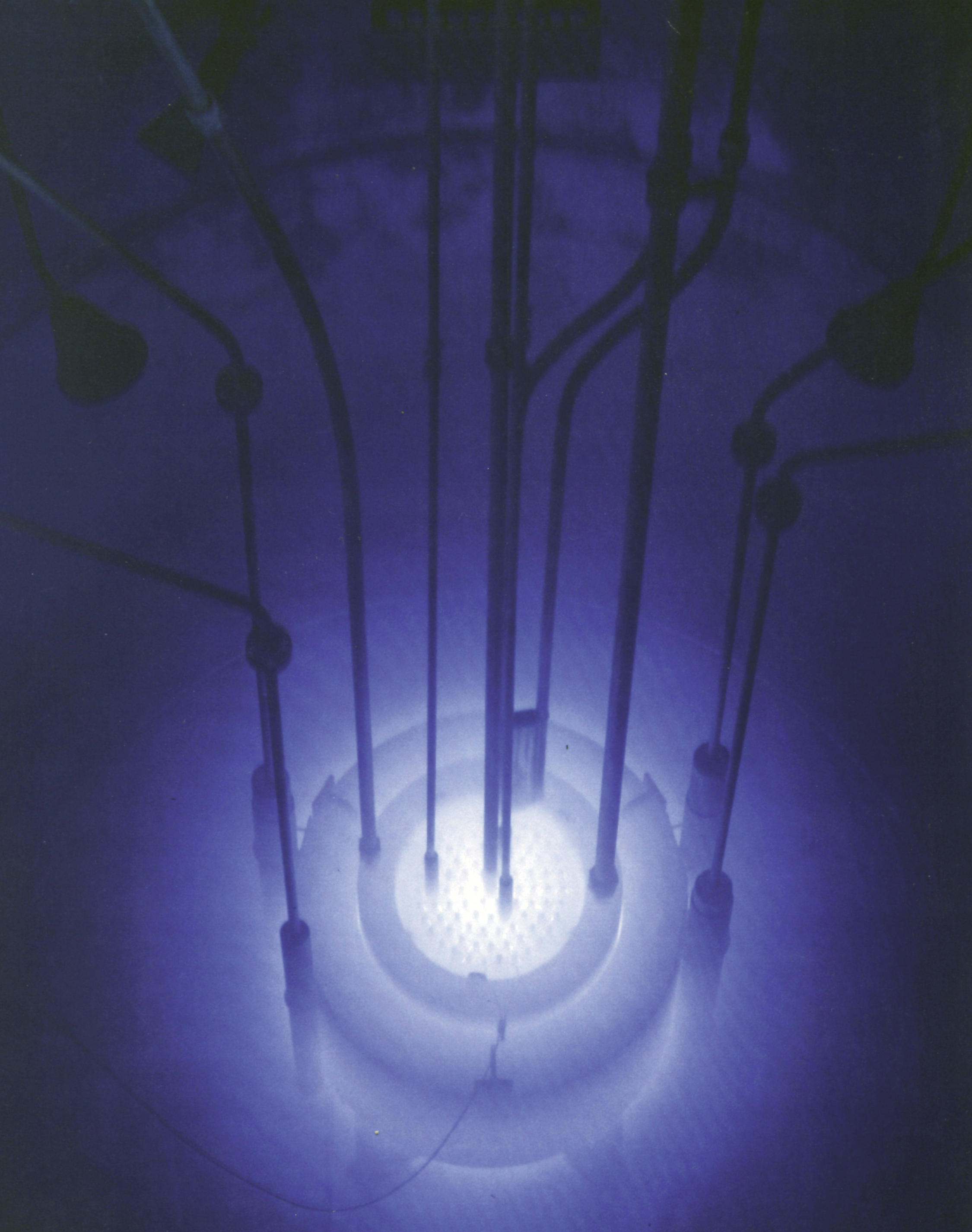 Chrenkov effect reactor
