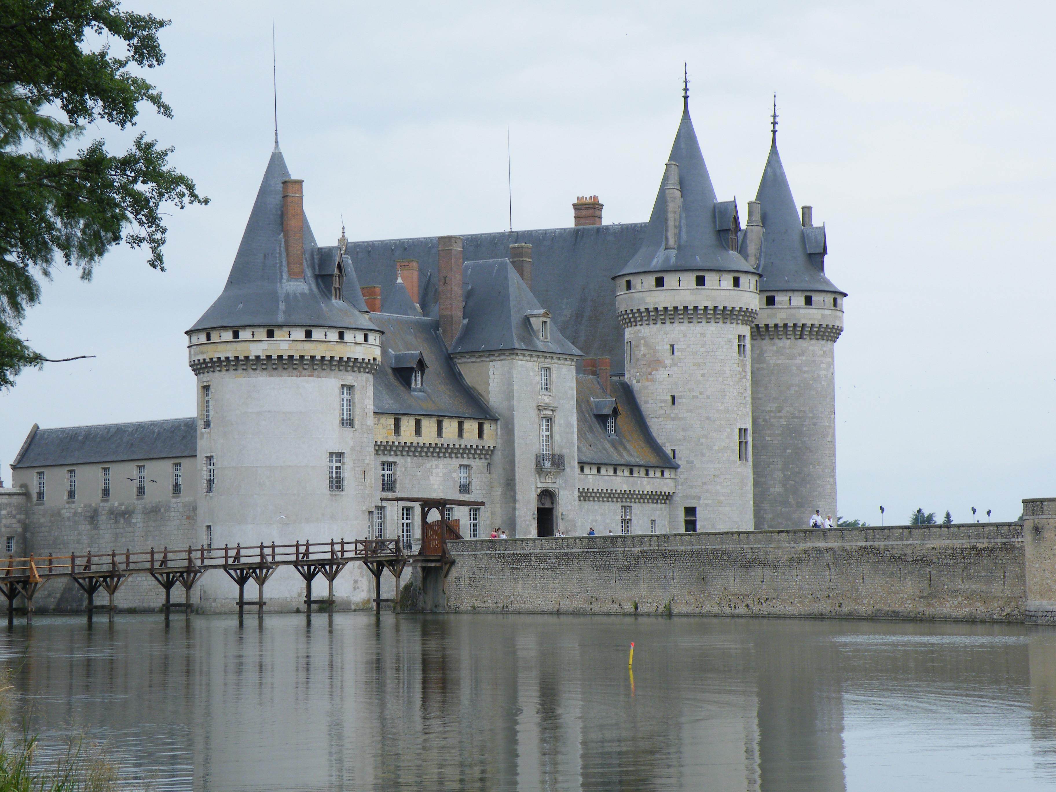 File ch teau de sully sur wikimedia commons for Clair logis sully sur loire