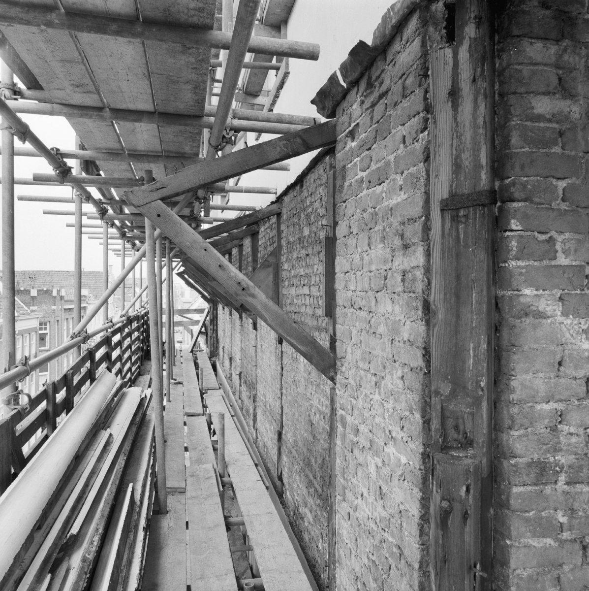 File constructie kroonlijst noordelijk deel hoofdgebouw dordrecht 20060586 - Noordelijke deel ...