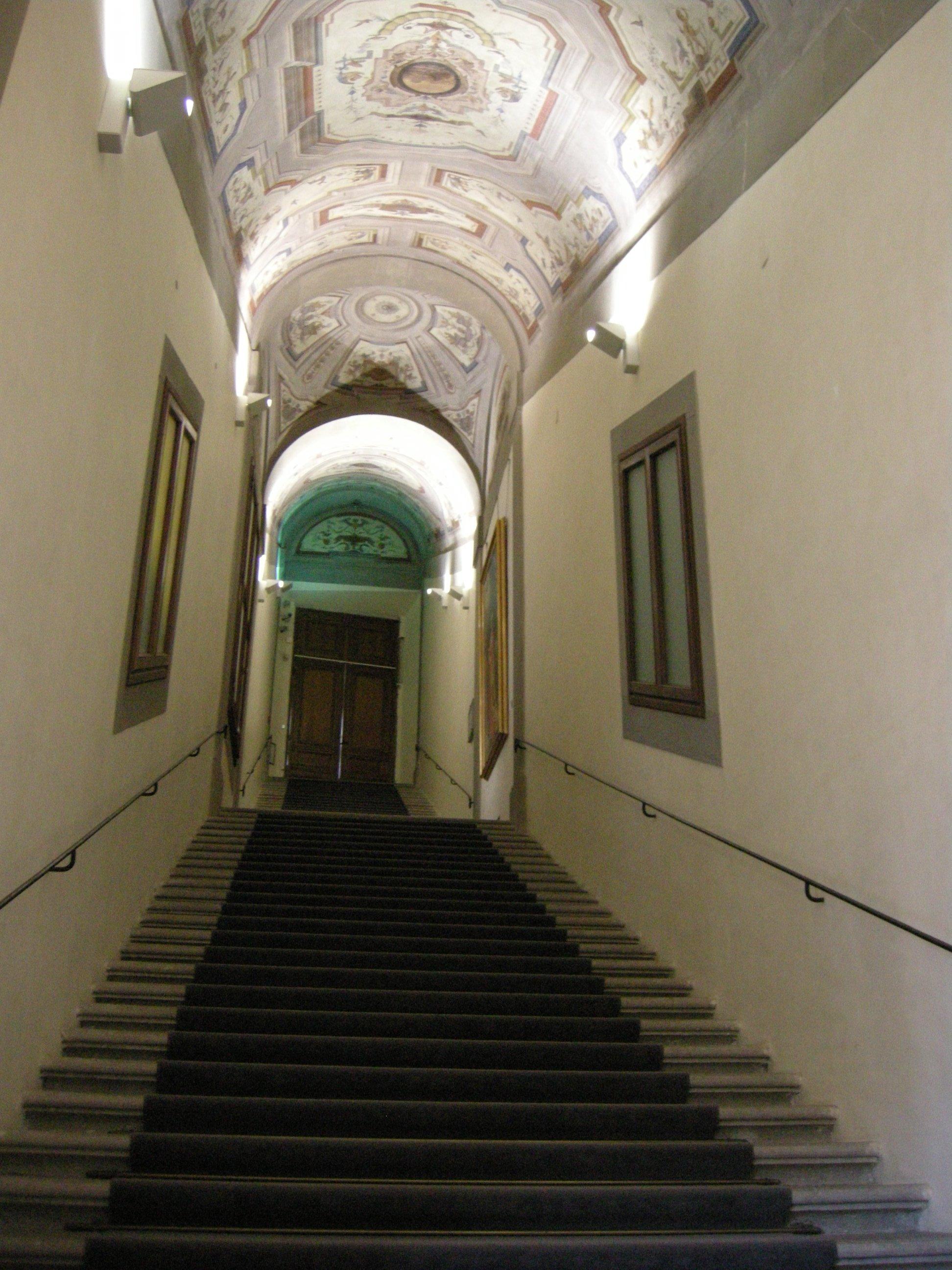 Inside the vasari corridor a journey through vasari - Corridor entrance ...