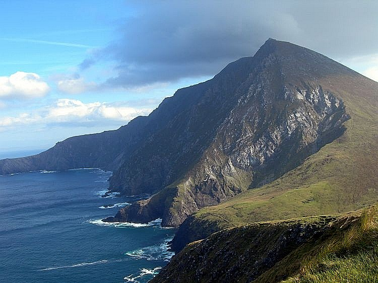 Croaghaun cliff