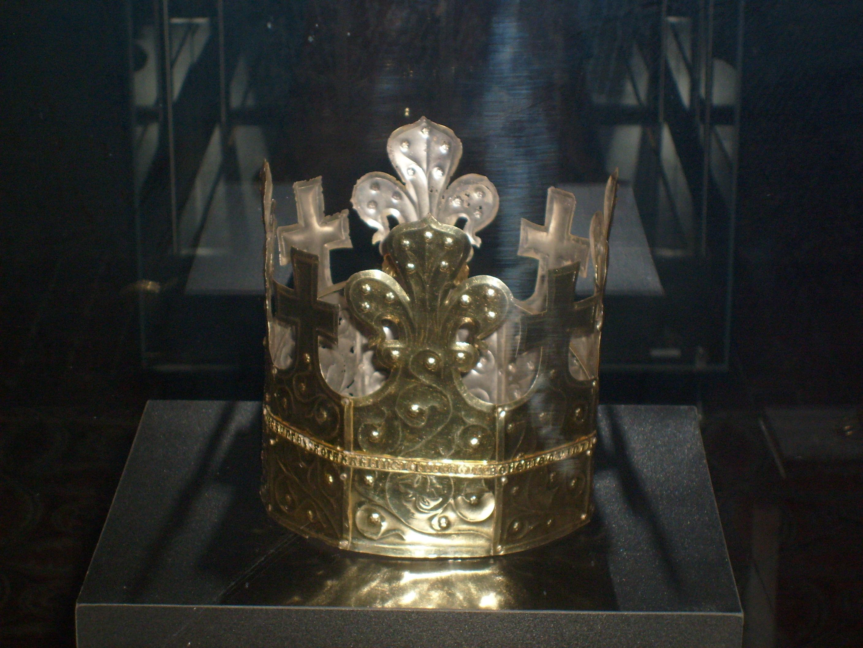 http://upload.wikimedia.org/wikipedia/commons/6/6b/Crown_of_Ottokar_II.jpg