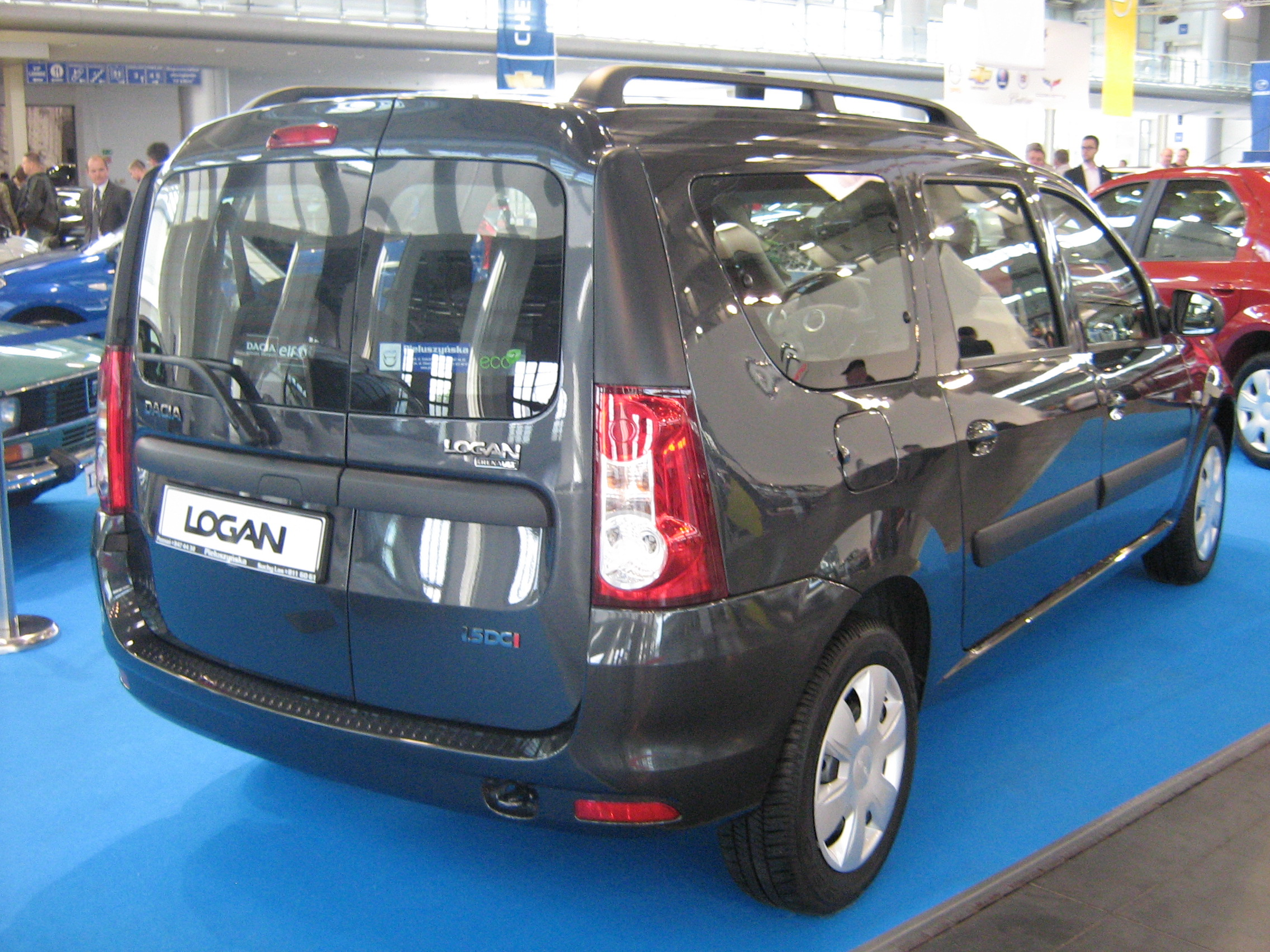 file dacia logan mcv facelift rear psm. Black Bedroom Furniture Sets. Home Design Ideas