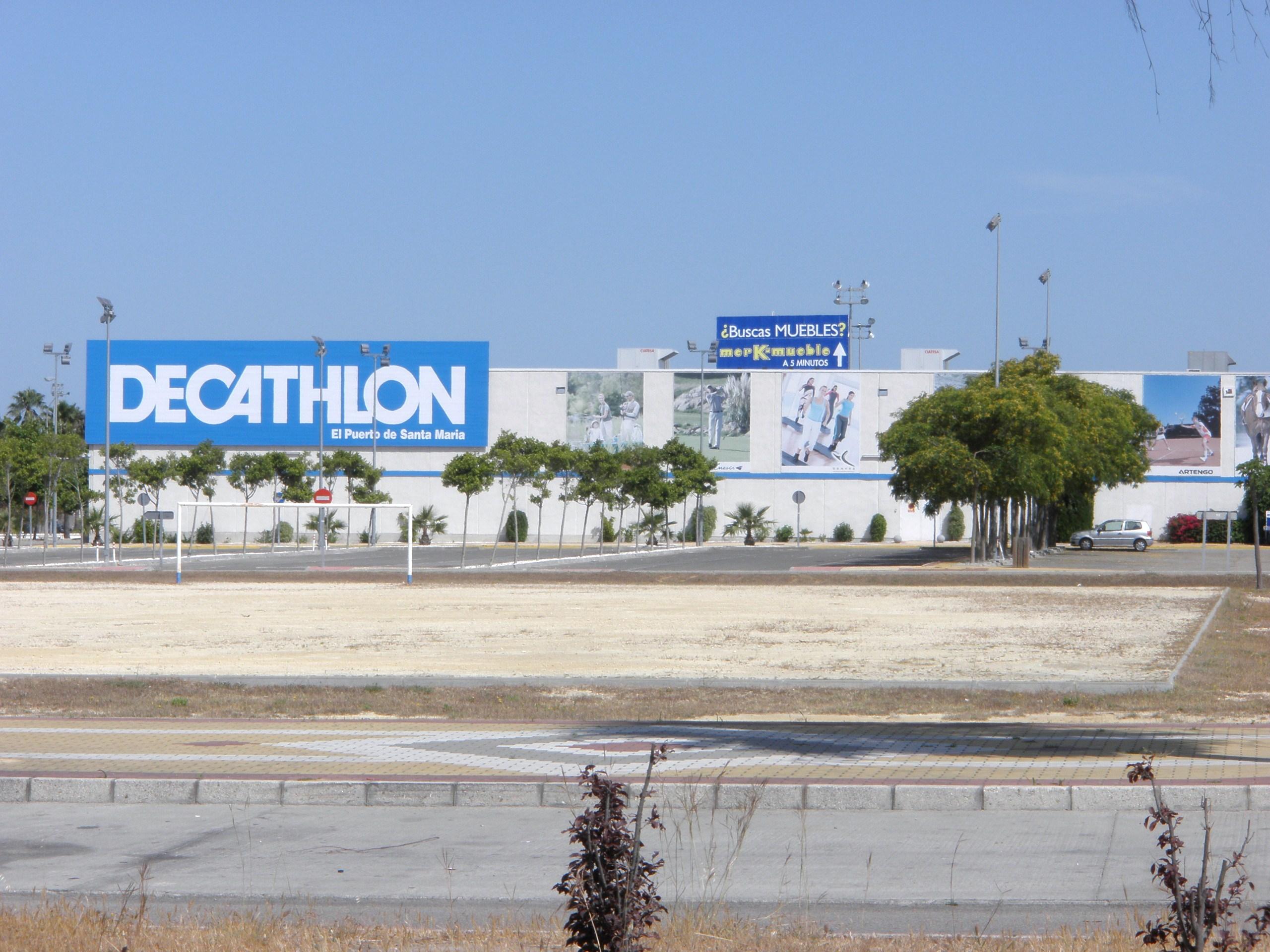 Archivo decathlon de el puerto de santa mar a c diz espa wikipedia la enciclopedia libre - Tren el puerto de santa maria madrid ...