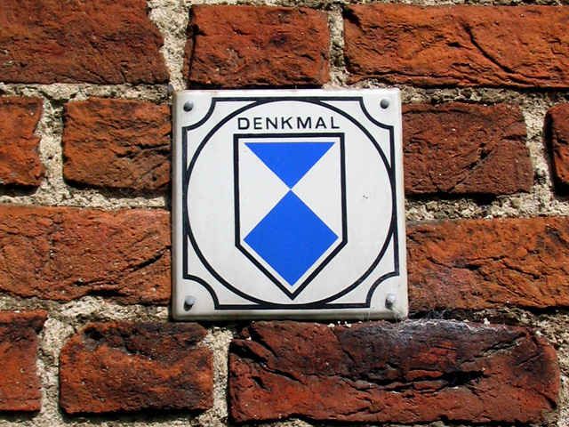 Denkmal-Schild Deutschland.jpg