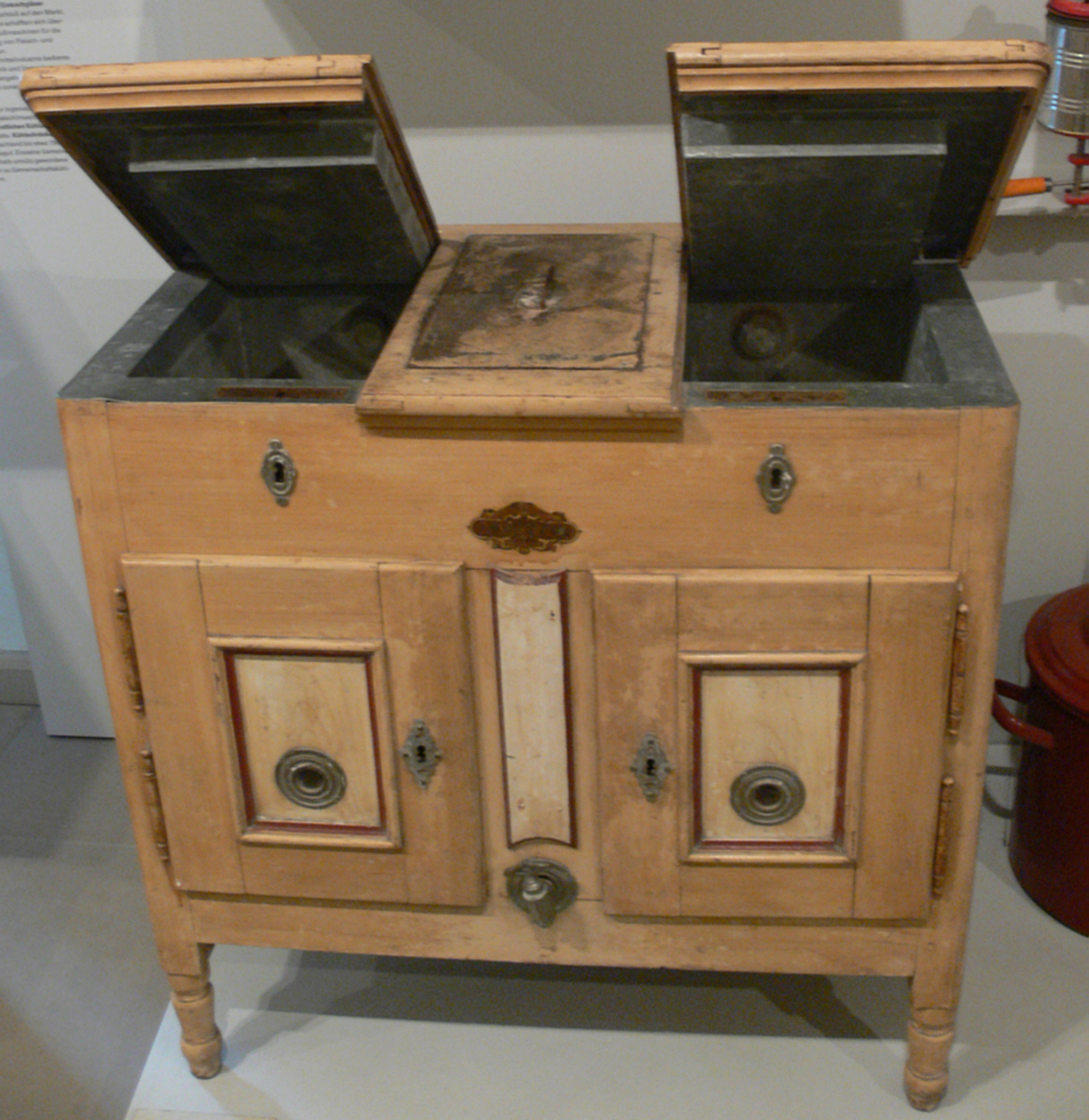 eisschrank wikipedia. Black Bedroom Furniture Sets. Home Design Ideas