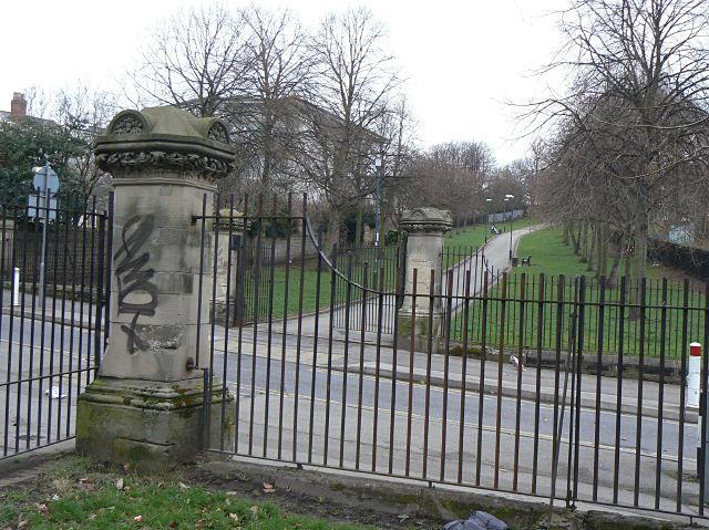 File:Elm Avenue at Cranmer Street - geograph.org.uk - 1196647.jpg