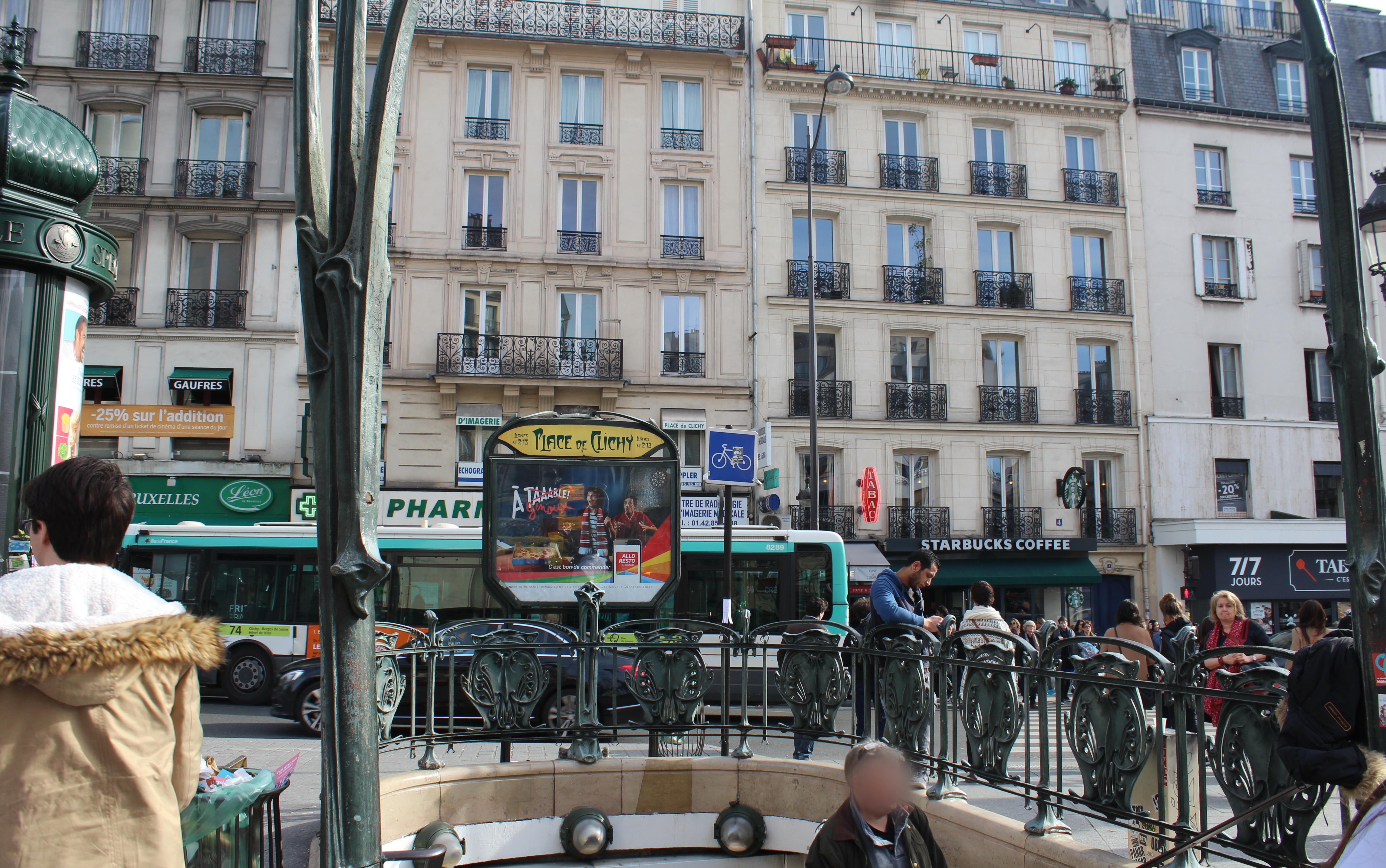 File:Entrée Métro Place Clichy Paris 4.jpg - Wikimedia Commons
