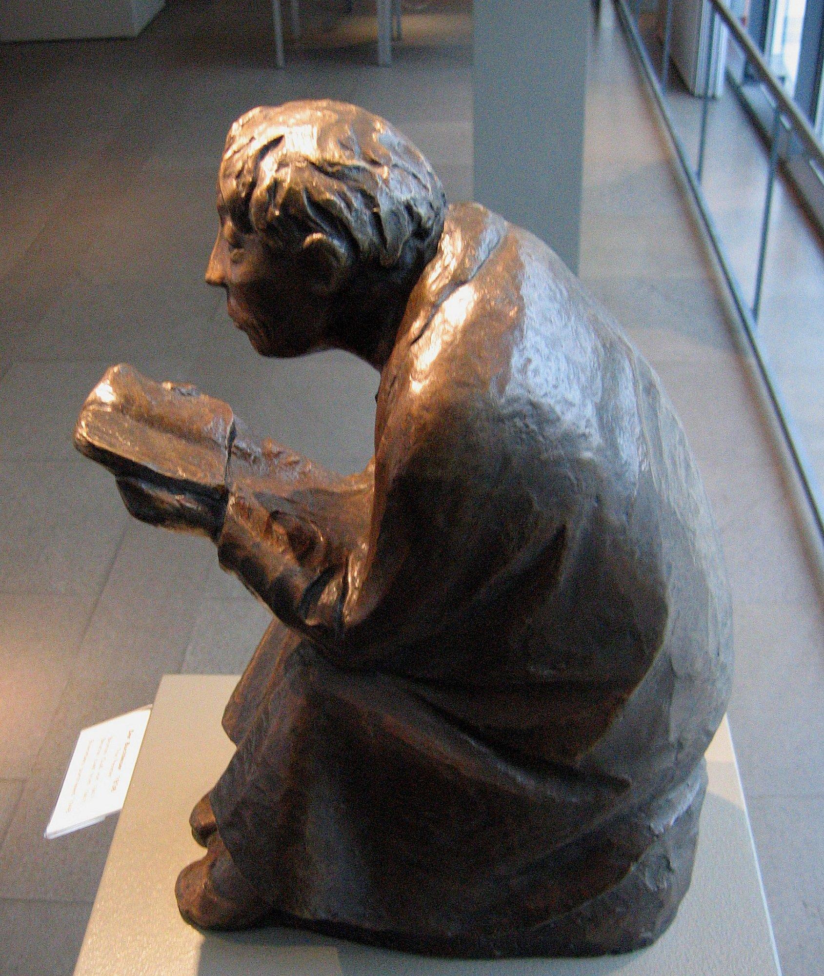 File Ernst Barlach Der Buchleser 1936 Bronze 1 Jpg