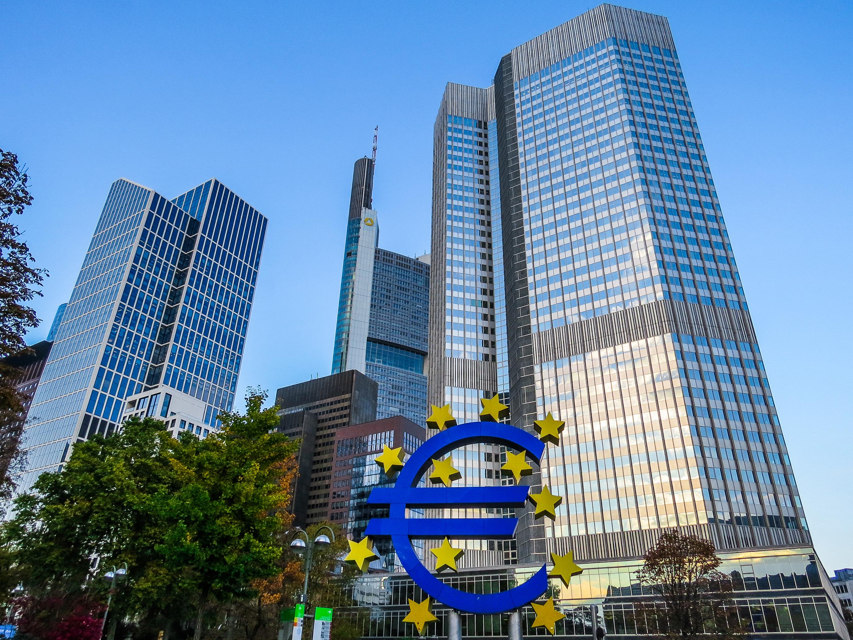 EZB versenkt Studie zur Ungefährlichkeit von Bargeld im Sommerloch