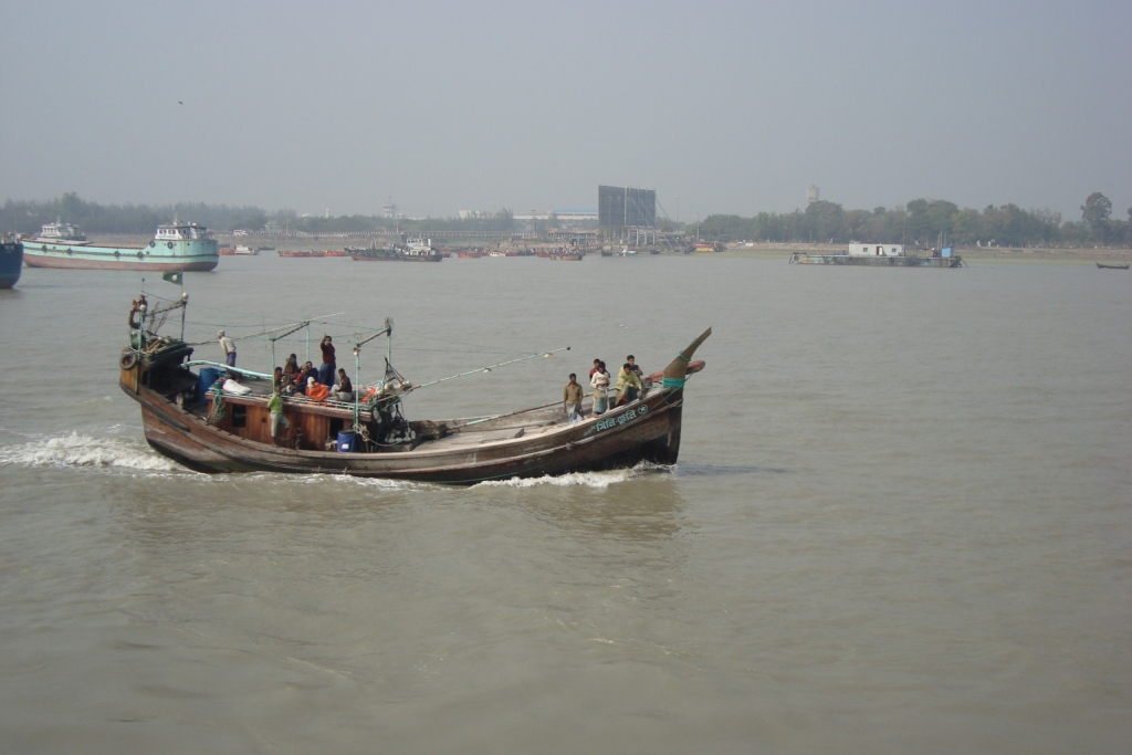 File:Fishing Boat, Bangladesh.JPG