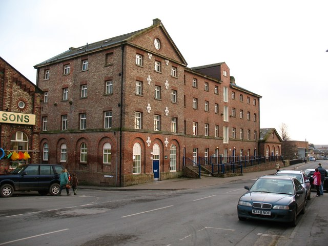 Former flour mills, Railway Street - geograph.org.uk - 1142670