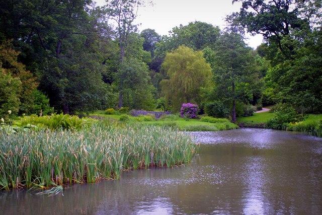 Gardens and Ornamental Lake at Ightham Mote - geograph.org.uk - 229555