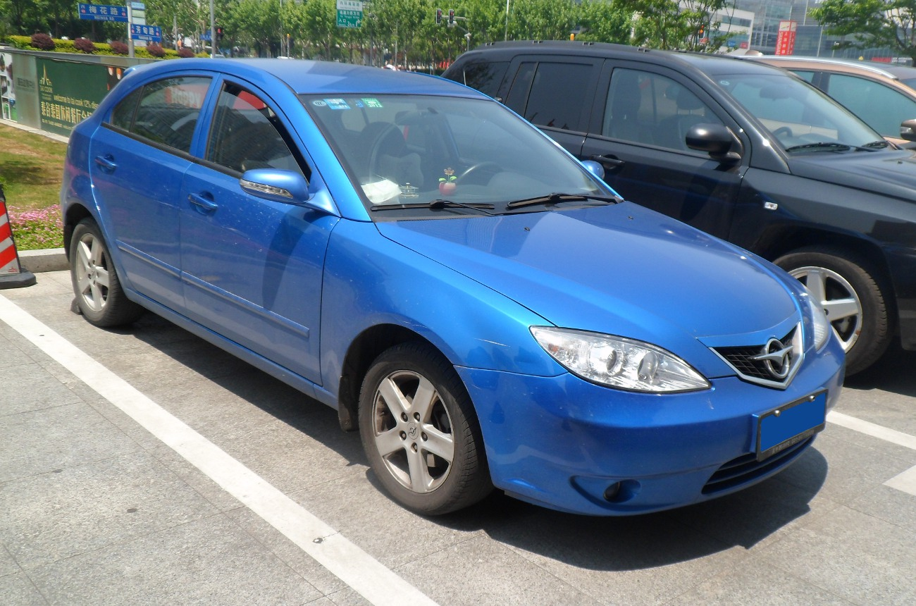 haima 3 hatch 01 china 2012-05-27.jpg