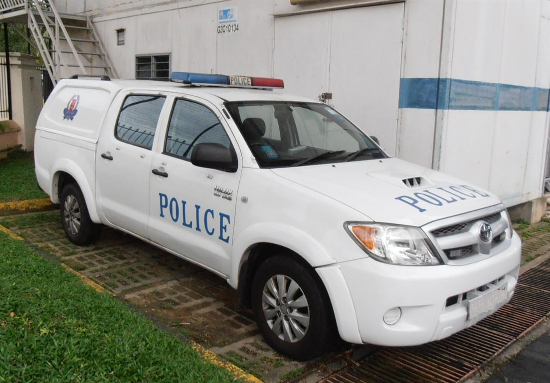 File Hilux Singapore Police Force Jpg Wikimedia Commons