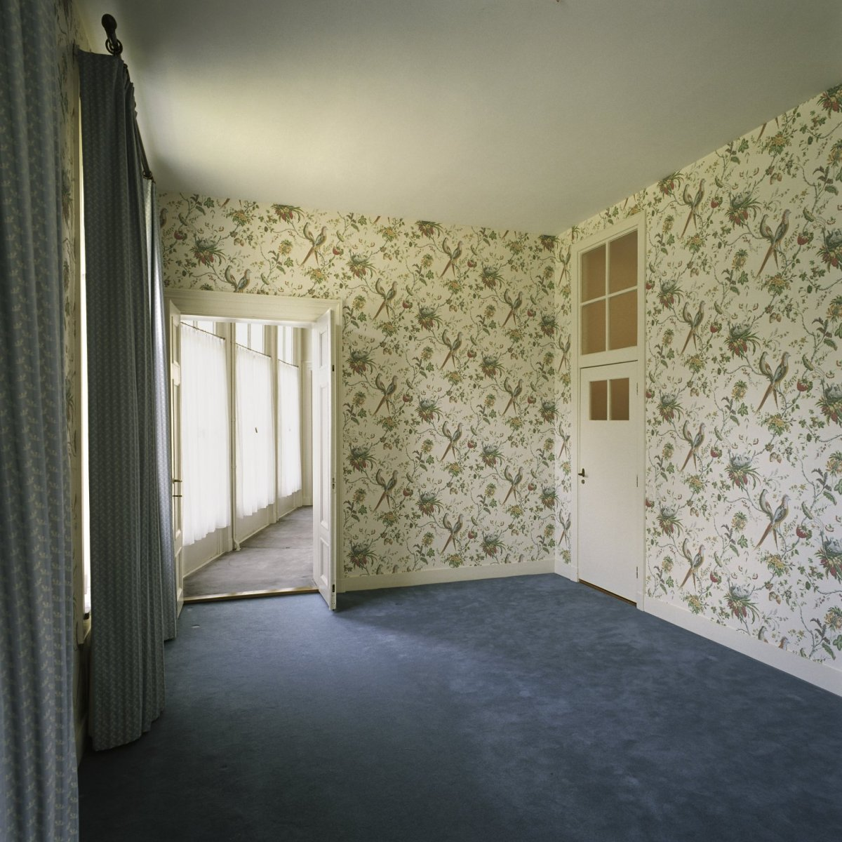 File:Interieur, overzicht van de de ruimte flat 2 genaamd, gelegen ...