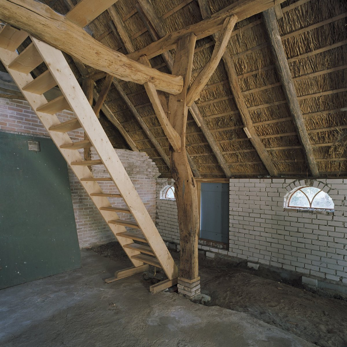File interieur boerderij deel gedeelte kapconstructie for Boerderij interieur