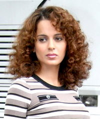 Kangana looks away the camera