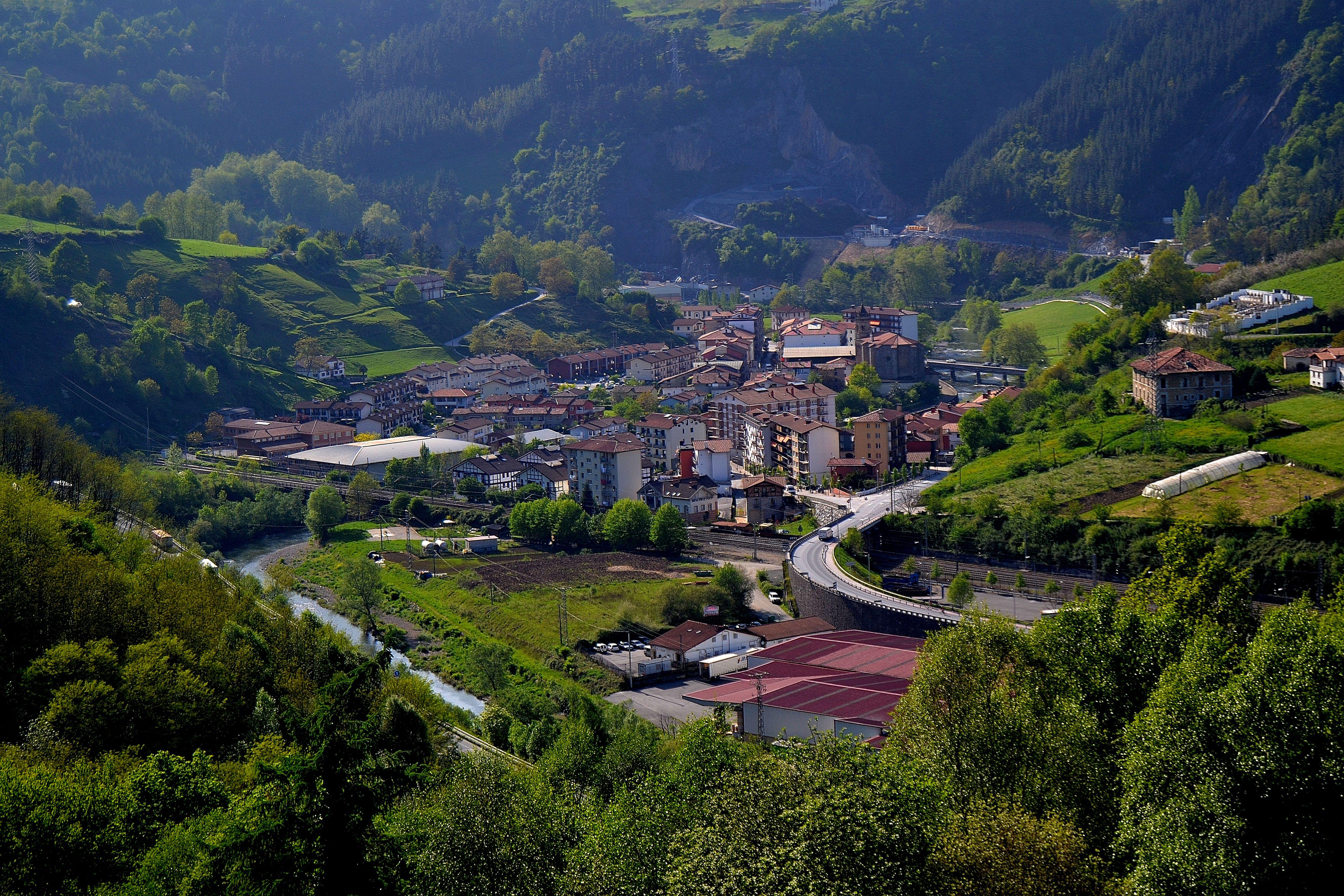 Resultado de imagen de foto del pueblo de legorreta