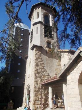 File:Lutheran Friedenskirche - Tower I.jpg