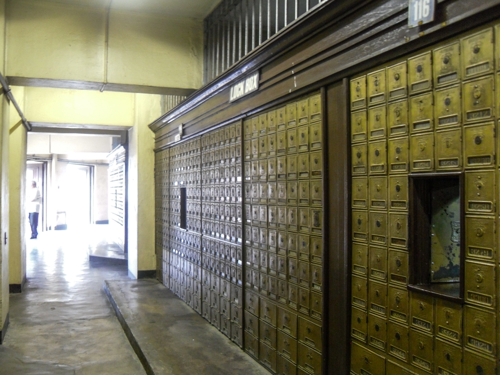 File:Manila Post Office Mail Cabinet