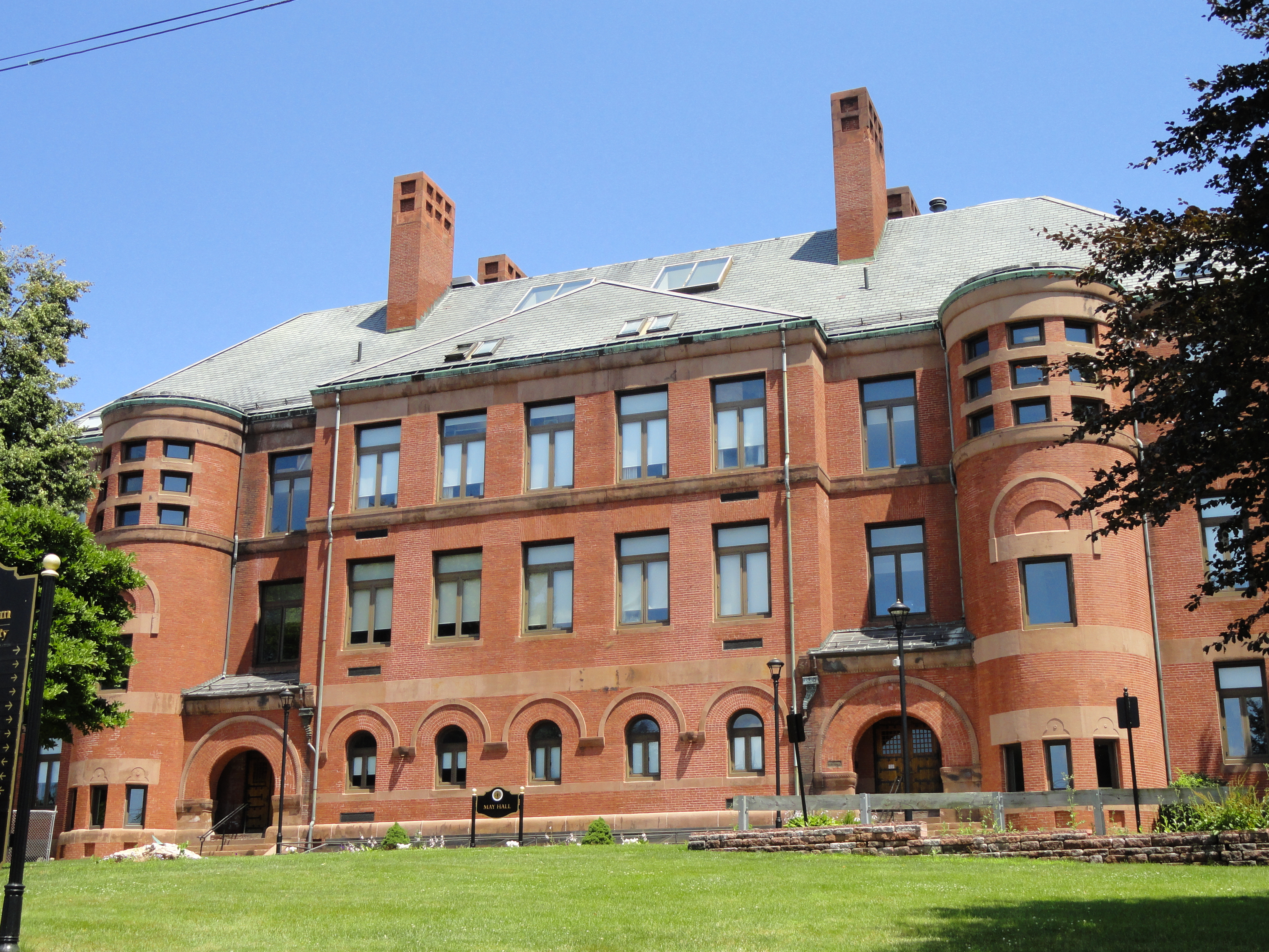 Framingham State College 102