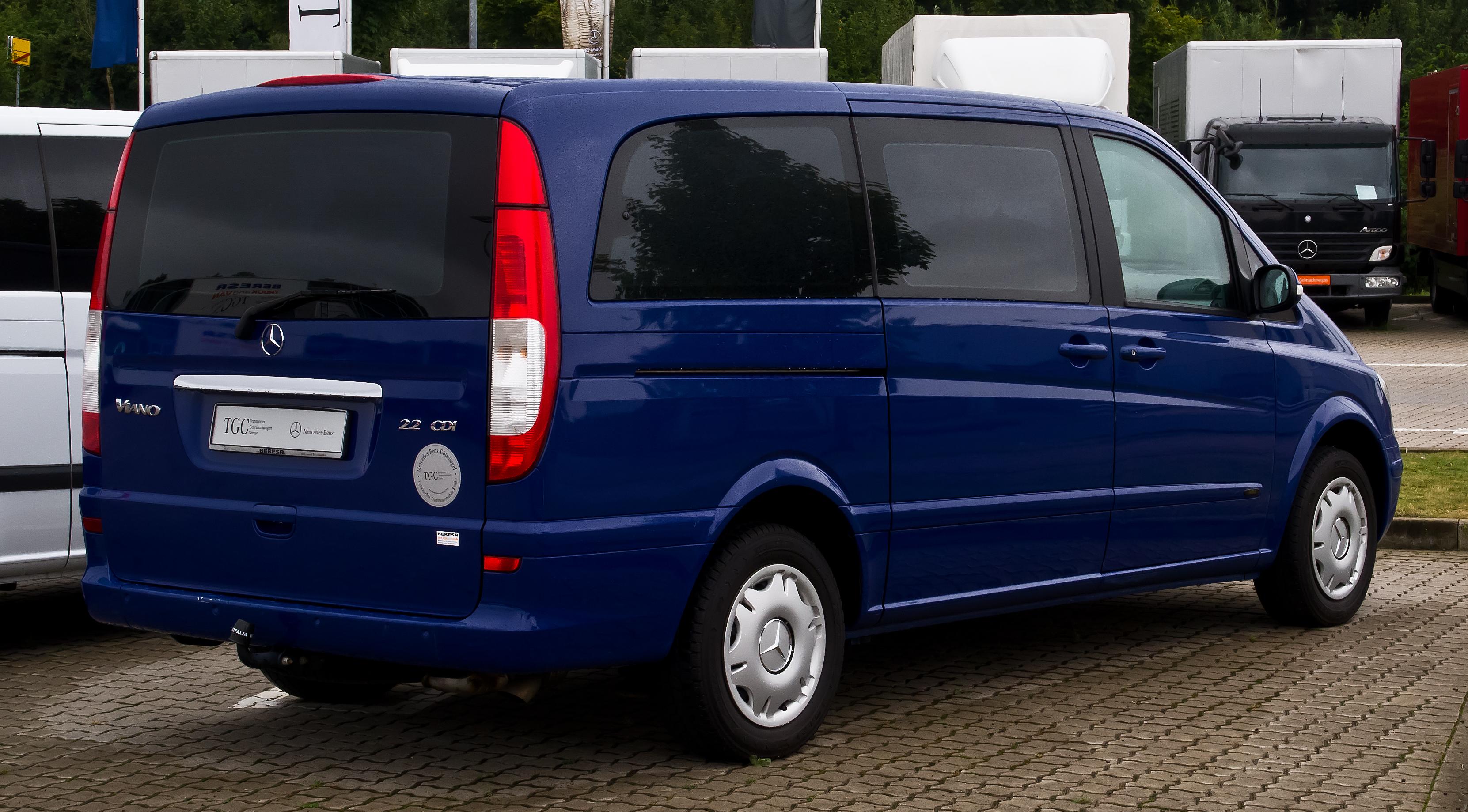 September 2013: File:Mercedes-Benz Viano Lang CDI 2.2 Trend (V 639
