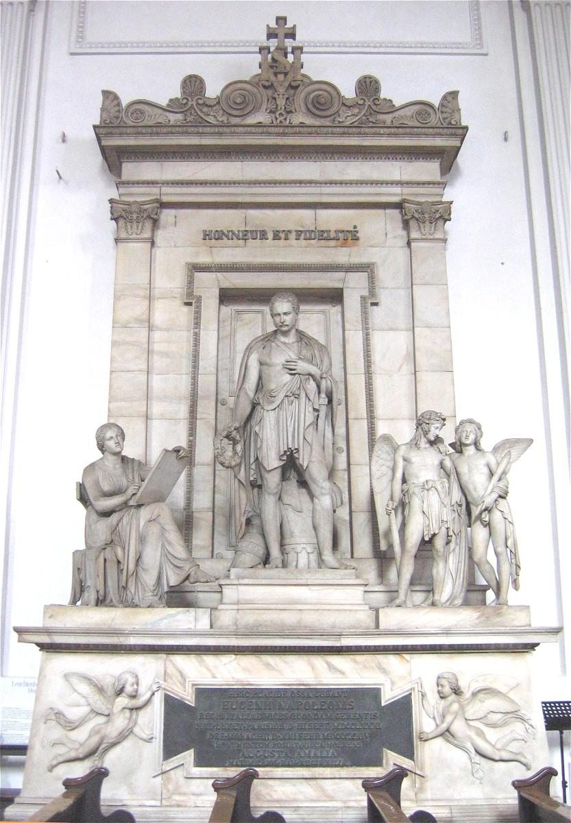 http://upload.wikimedia.org/wikipedia/commons/6/6b/Michaelskirche-1.jpg