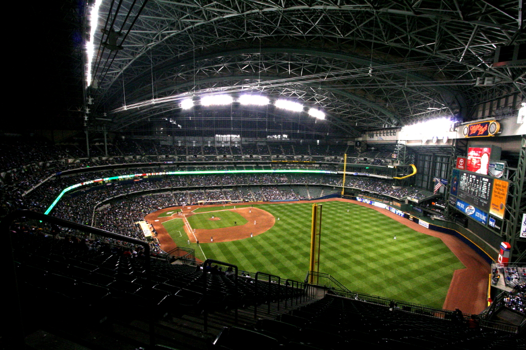 Miller Park (Milwaukee) - Wikipedia