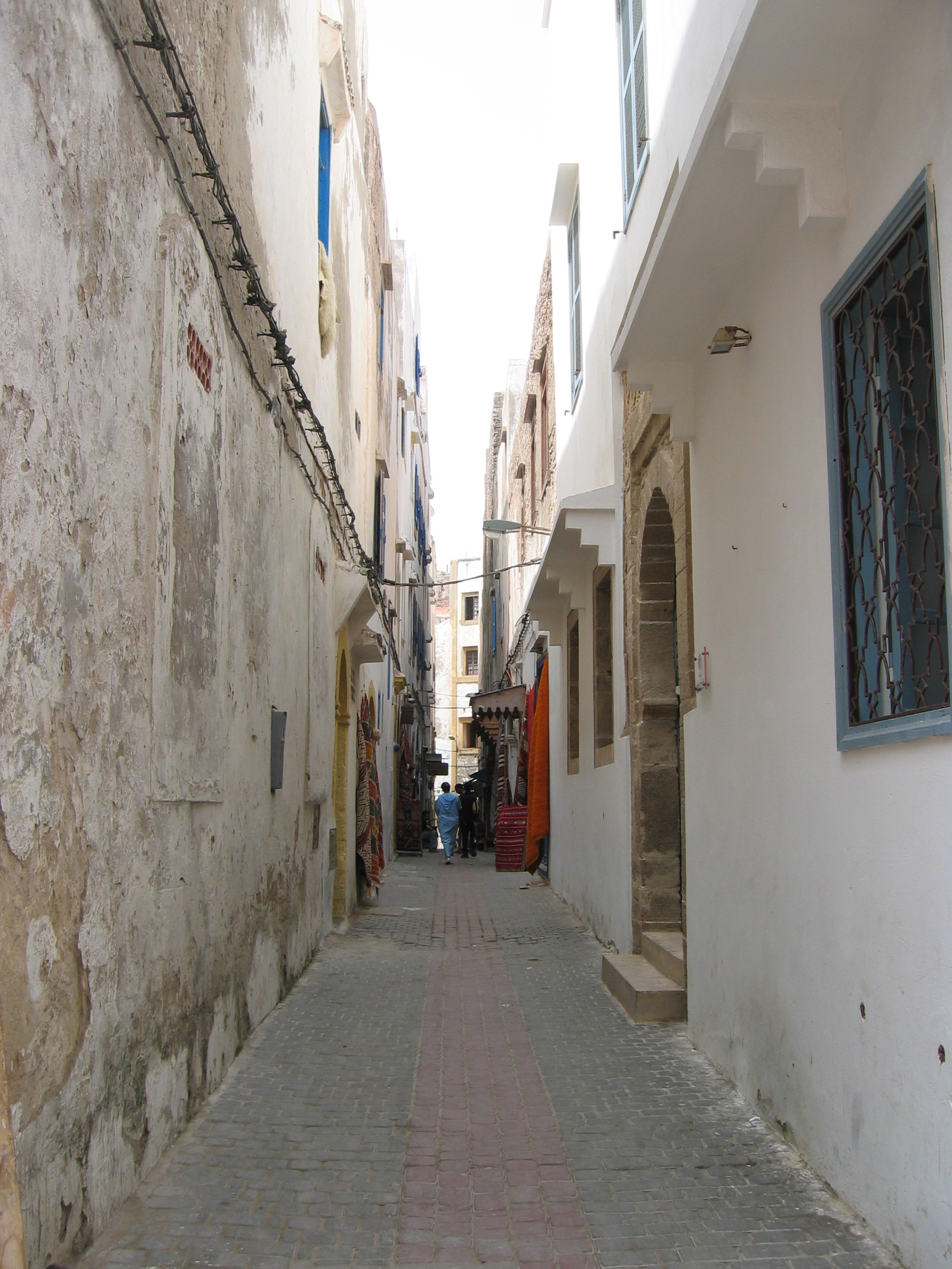 Http Commons Wikimedia Org Wiki File Narrow Street 2901163023 Jpg