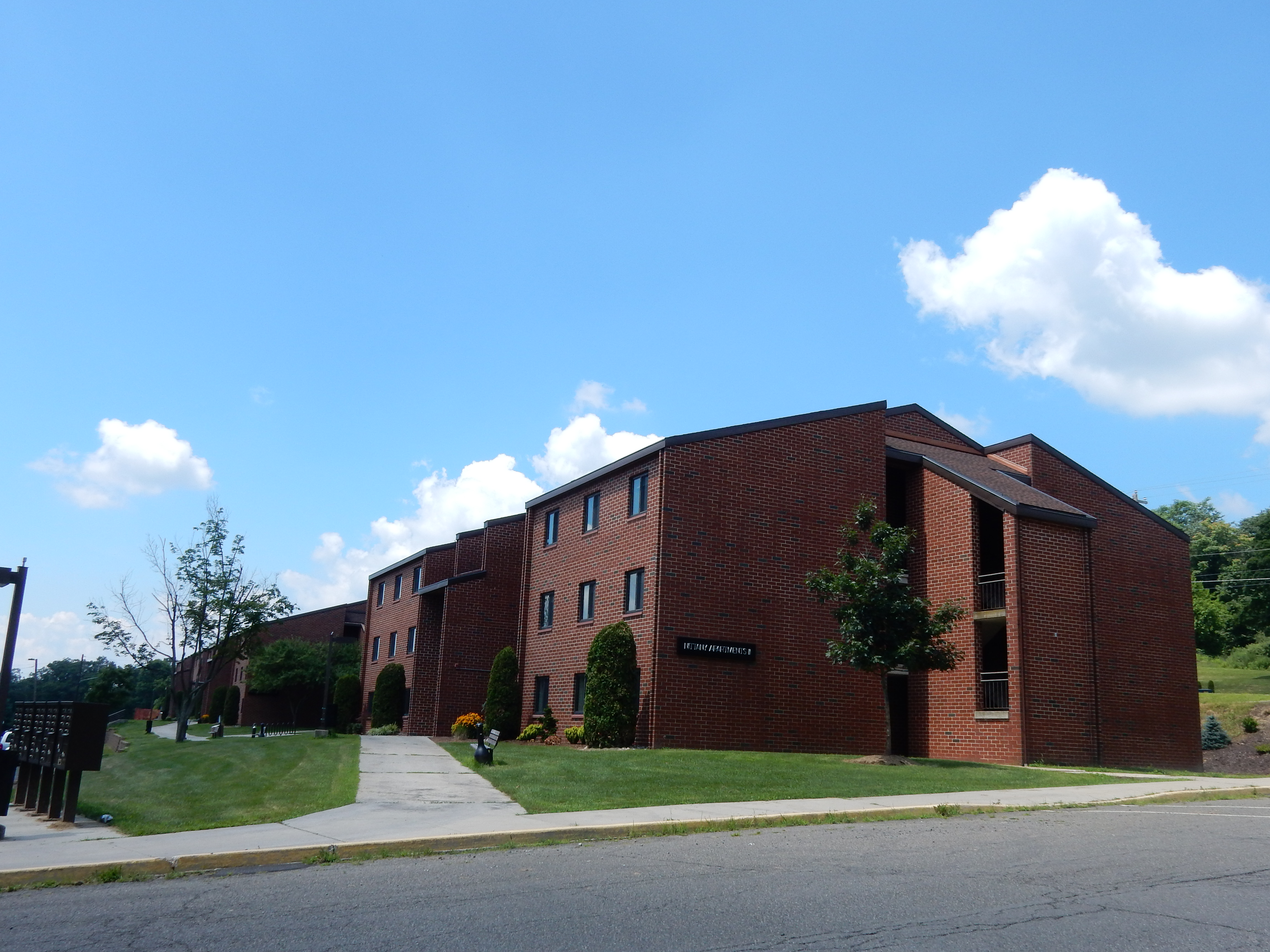 File:Nittany Apartments II At Penn State Schuylkill