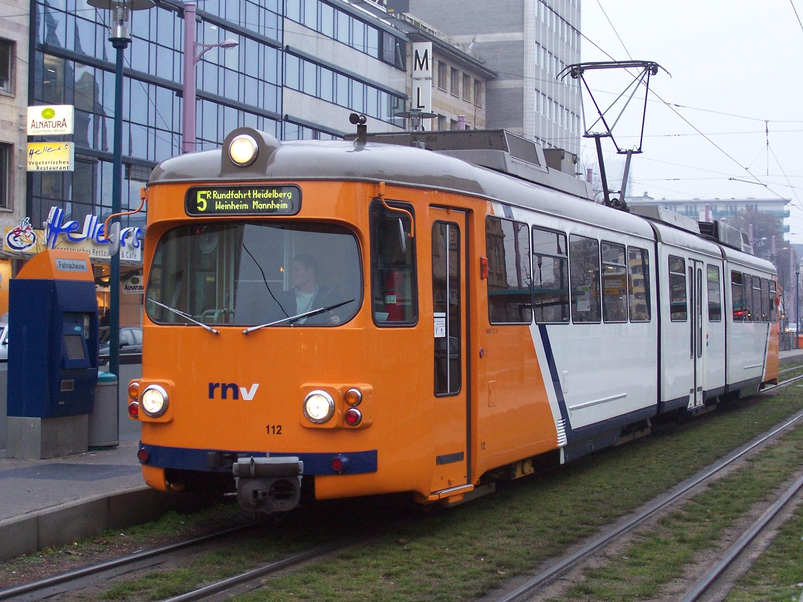 File:OEG Gt8 112 in Mannheim 100 3271.jpg