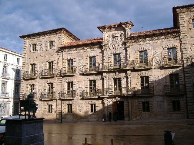 File:Palacio camposagrado.JPG