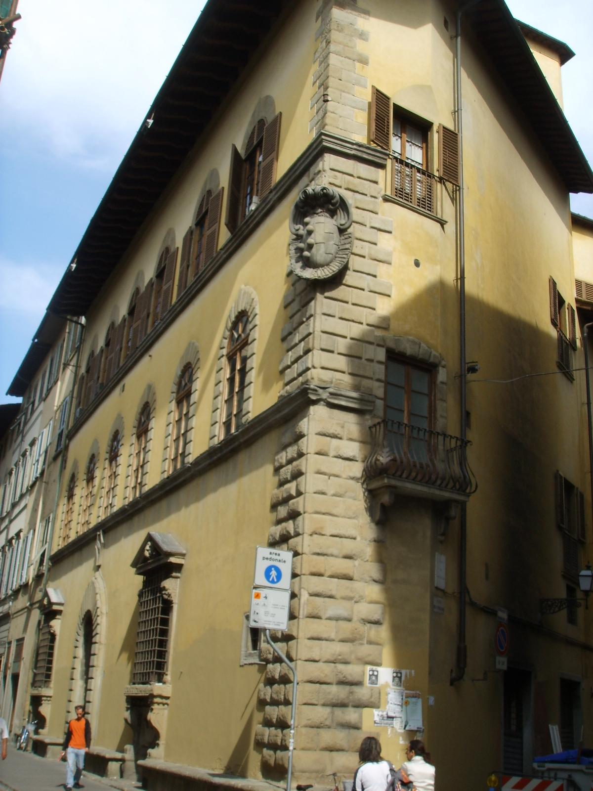 Palazzo di Sforza Almeni - Wikipedia