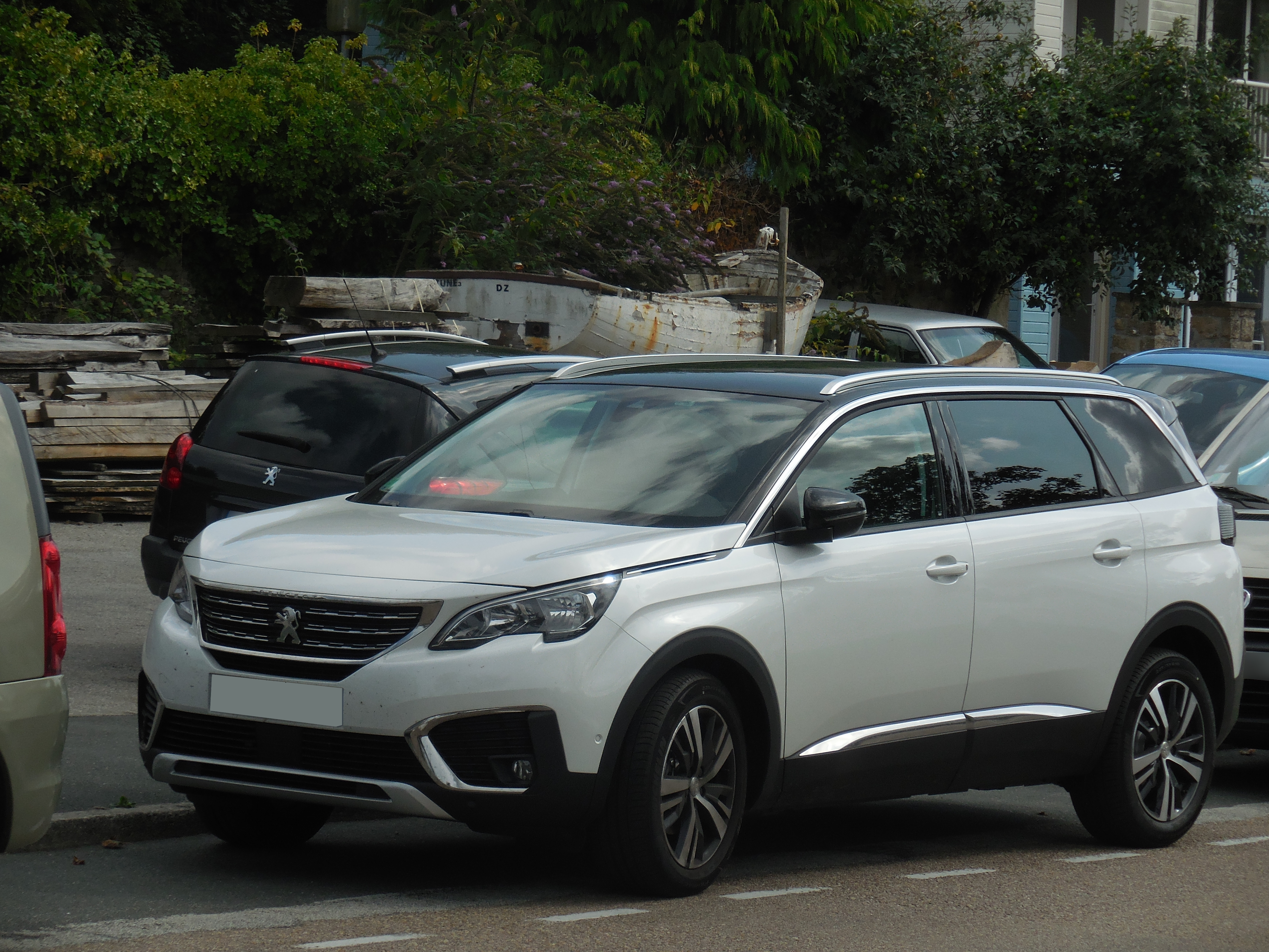 Peugeot 5008 wikiwand for Interieur 5008