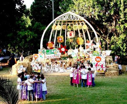 גן-שמואל-חג הביכורים 2003