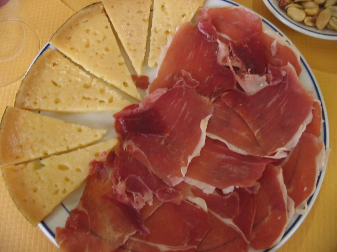 File plato de jam n y wikimedia commons for Canape de jamon y queso