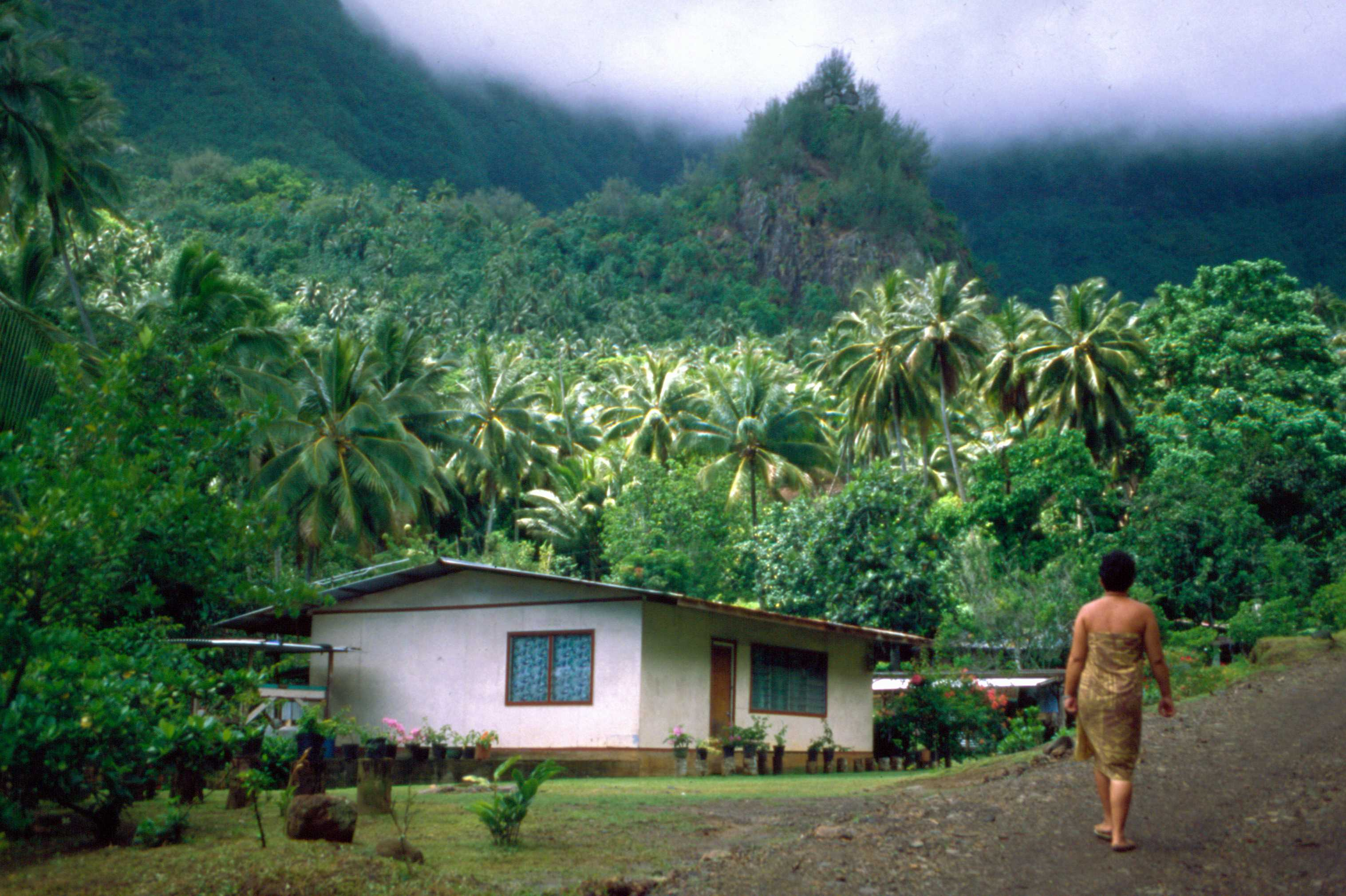 File puamau on hiva oa marquesas islands french Best villages in america