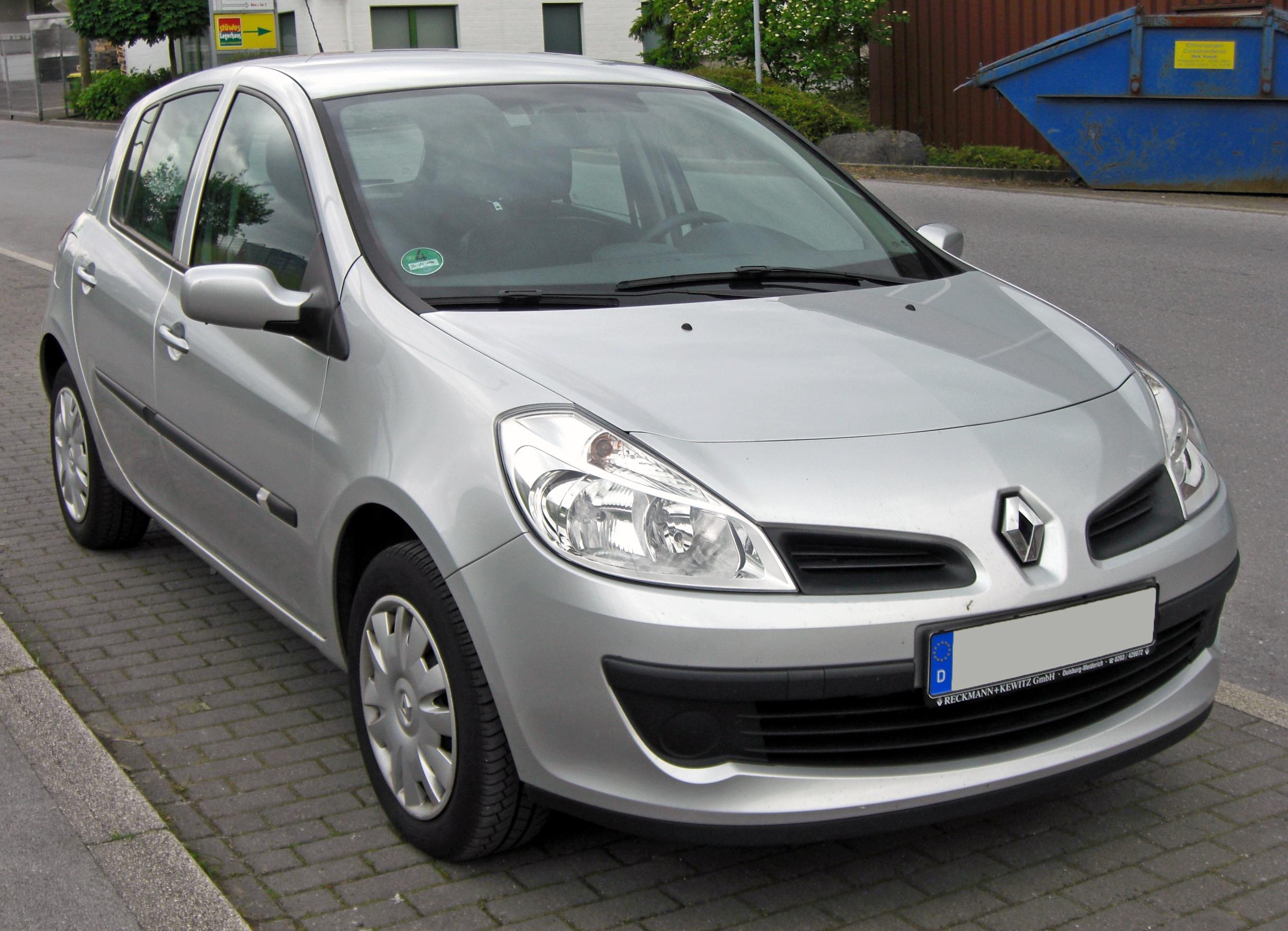 Description Renault Clio III 20090527 front.JPG