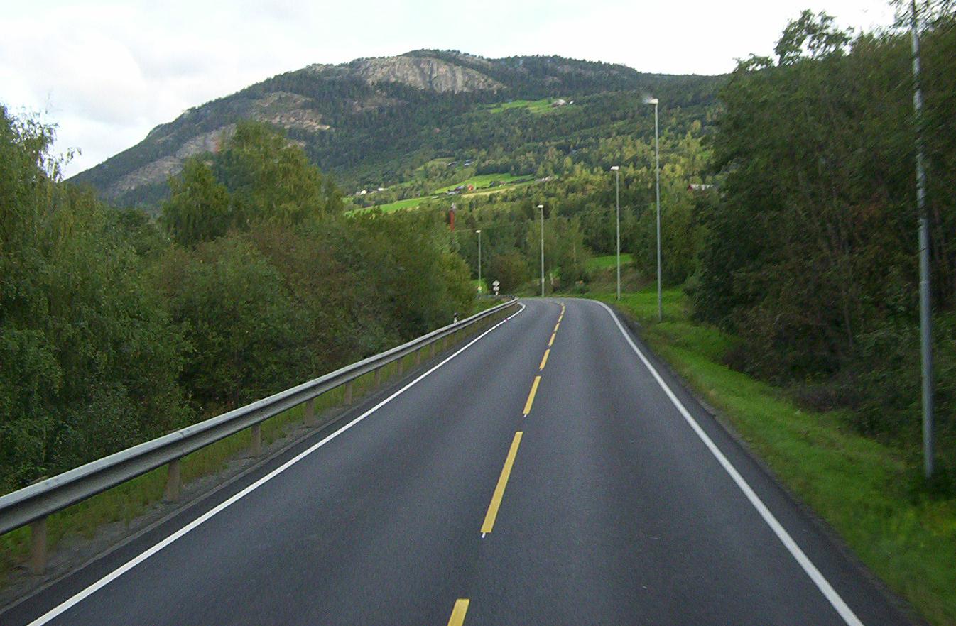 Ficheiro Road In Norway Jpg Wikipedia A Enciclopedia Livre
